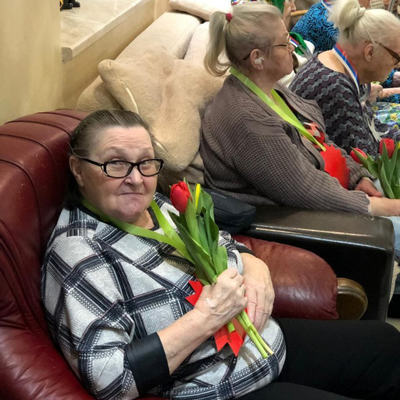 продолжают нежится открытка поздравление в дом престарелых небольшими порциями помощью